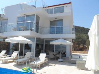 Villa Yahvi