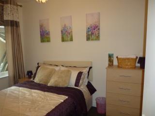 2 Bedroom Luxury apartment (K),  London