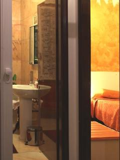 Orus Room and Private Bathroom