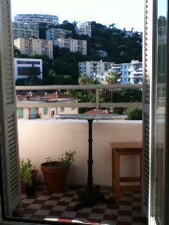 wide&sunny - small terrace