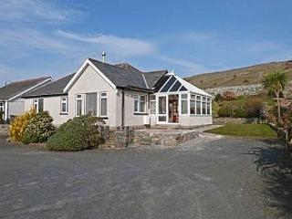 Llety Llanaber: Mountain and Sea Views - 72206