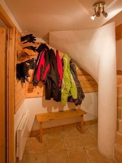 Jacket storage and wet area