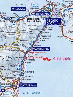 Si percorre l'Autostrada A18 in direzione Messina - Uscita Giarre