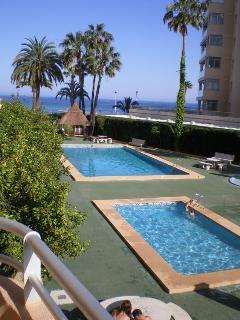 Tres piscinas comunitarias exteriores.
