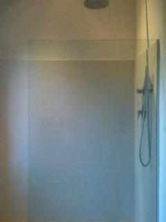 Very large glass enclosed showers