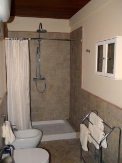 En suite to bedroom 1