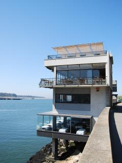 casa d'oro porto great architecture with views overlooking the River Douro.