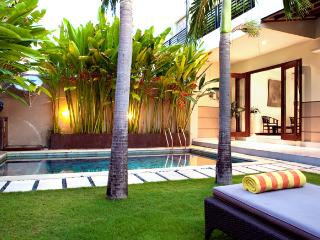 The private garden and sun lounge area