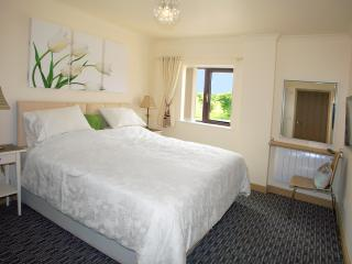 A beautiful large bedroom with en suite facilities - Can be a Super King or Twin.