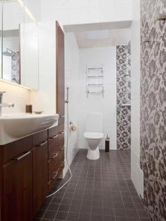 Bathroom with double rain shower