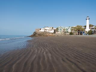 1a linea de playa. Blanco y Madera