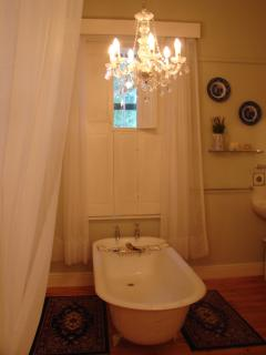The Victorian bathroom of the Joseph Barry room