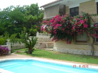 Lloret Turo. Villa with private garden and pool, Lloret de Mar