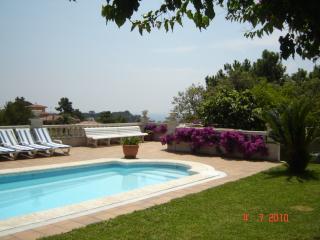 Lloret Turo. Villa with private garden and pool