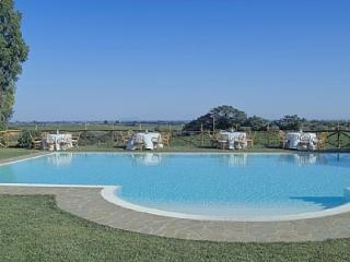 Casalaccio Villa Sleeps 4 with Pool Air Con and WiFi - 5229101