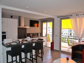 Rouaze Top Floor - 989, Cannes