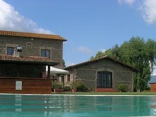 Casalaccio Villa Sleeps 2 with Pool and WiFi - 5229098