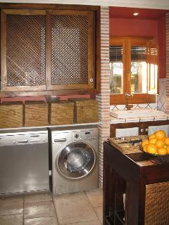 Kitchen. Dishwasher and washer-dryer.