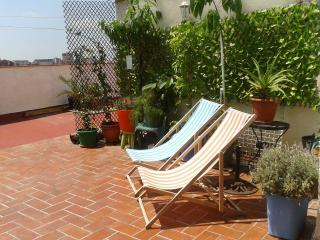 Penthouse center - FIRA -FREE wifi  HUTB-005565