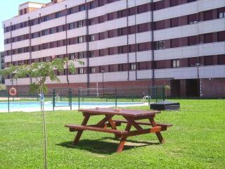 Piso con dos piscinas en Santander