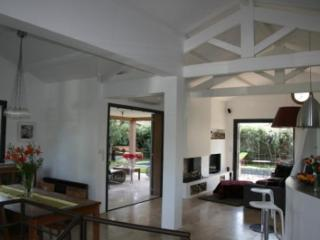 Villa Jules Verne, Superb Cap d'Antibes Rental with Terrace and Pool