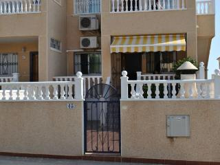 La Cinuelica R2,  Nice Ground Floor apartment with private garden, Los Altos