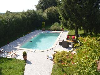 Location gites de France avec piscine privée et chauffée à Decize entre Loire et Morvan