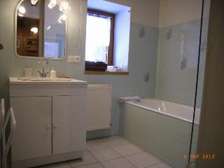 Les Andreys, chambre ' Les Pesses' la salle de bains
