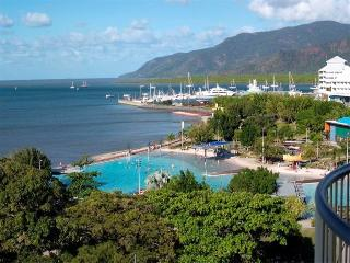 Esplanade Vues Cairns Stunning views to Green Island