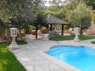 villa spacieuse, piscine privee et chauffe