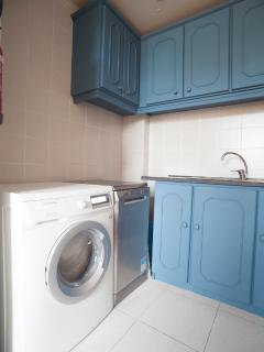 Washing and drying machine and dishwasher.