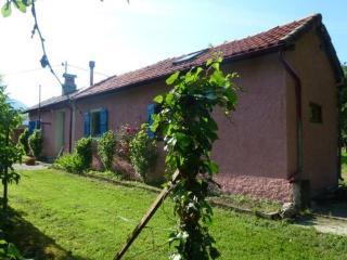La maison rose aux volets bleus, Ore