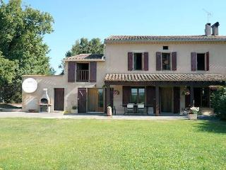 Carcassonne holiday rental with private pool sleeps 10