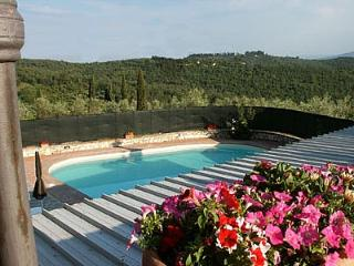 Moriano Villa Sleeps 16 with Pool and WiFi - 5229100