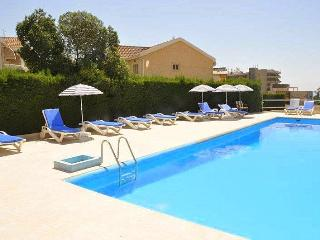 Studio Apartment & pool near the sea, Tourist area, Limassol