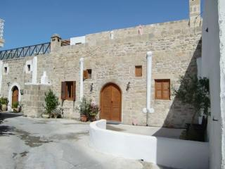 The Big Arch House, Rhodes-Stad