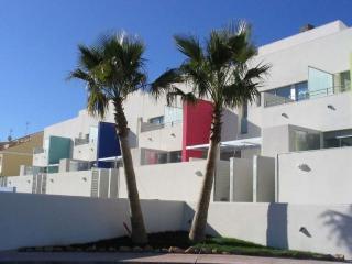 Apartamento con vistas al mar y piscina comunitari, Alcanar
