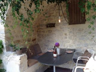 Outdoor terrace and kitchen to enjoy your french breakfast or dinner.