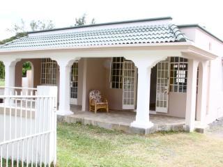 Blue Sky Villa, Pereybere