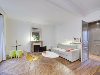 So Parisian, Central, Between Montmartre & Opera, 10 mn Walk from Gare du Nord