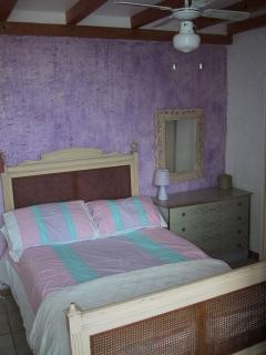 Bedroom 2 (Main, front, double)