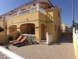 Johns Villa - Pool, Golf, Bars