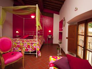 B&B Antico Granaione Cherry bedroom, Rapolano Terme