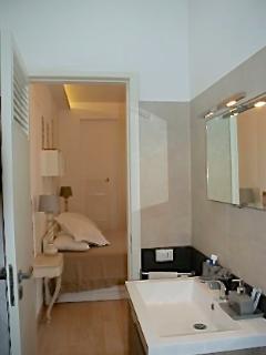 bagno camera da letto padronale (con doccia e finestra)