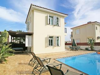 PRMEB9 3 Bedroom Villa, Protaras