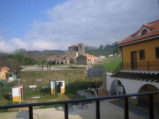 APARTAMENTO EN PRIVILEGIADO PUEBLO DE CANTABRIA, Castañeda