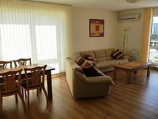 Flores park Large 2-Bedroom Apartment, Sunny Beach