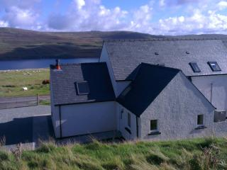 Pooltiel View. Amazing views of loch. Close to Neist Point light house.