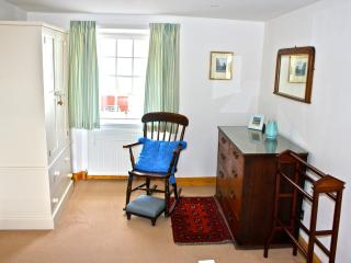 Main bedroom West