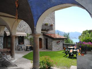 apartments Zorzino castle iseo lake